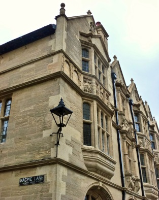 Magpie Lane, Oriel College